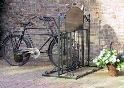Een fraai en praktisch nostalgisch fietsenrek